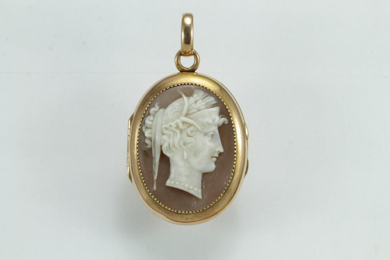 Antique gold cameo pendant precious antique fine jewellery and antique gold cameo pendant aloadofball Images