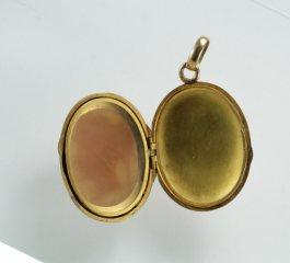 Antique gold cameo pendant precious antique fine jewellery and antique gold cameo pendant precious antique fine jewellery and antiques aloadofball Images